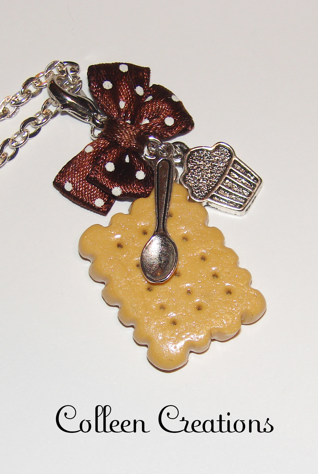 collier-biscuit