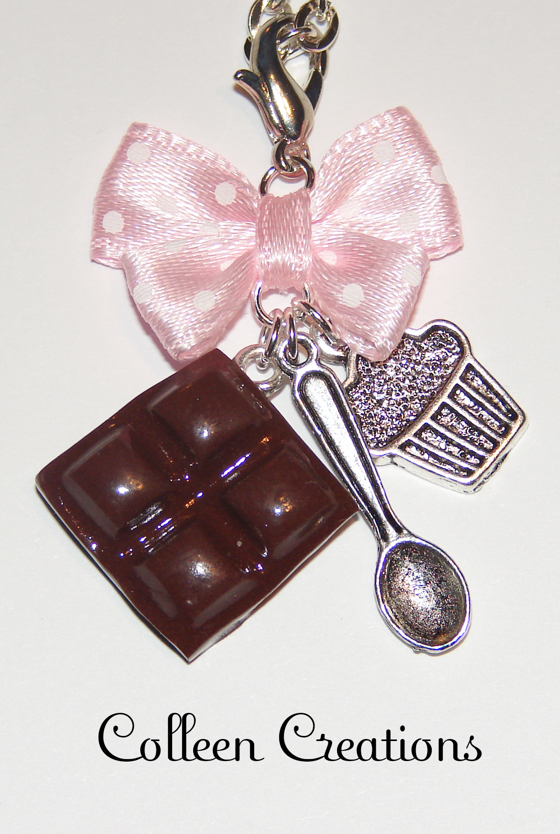 collier-carre-chocolat