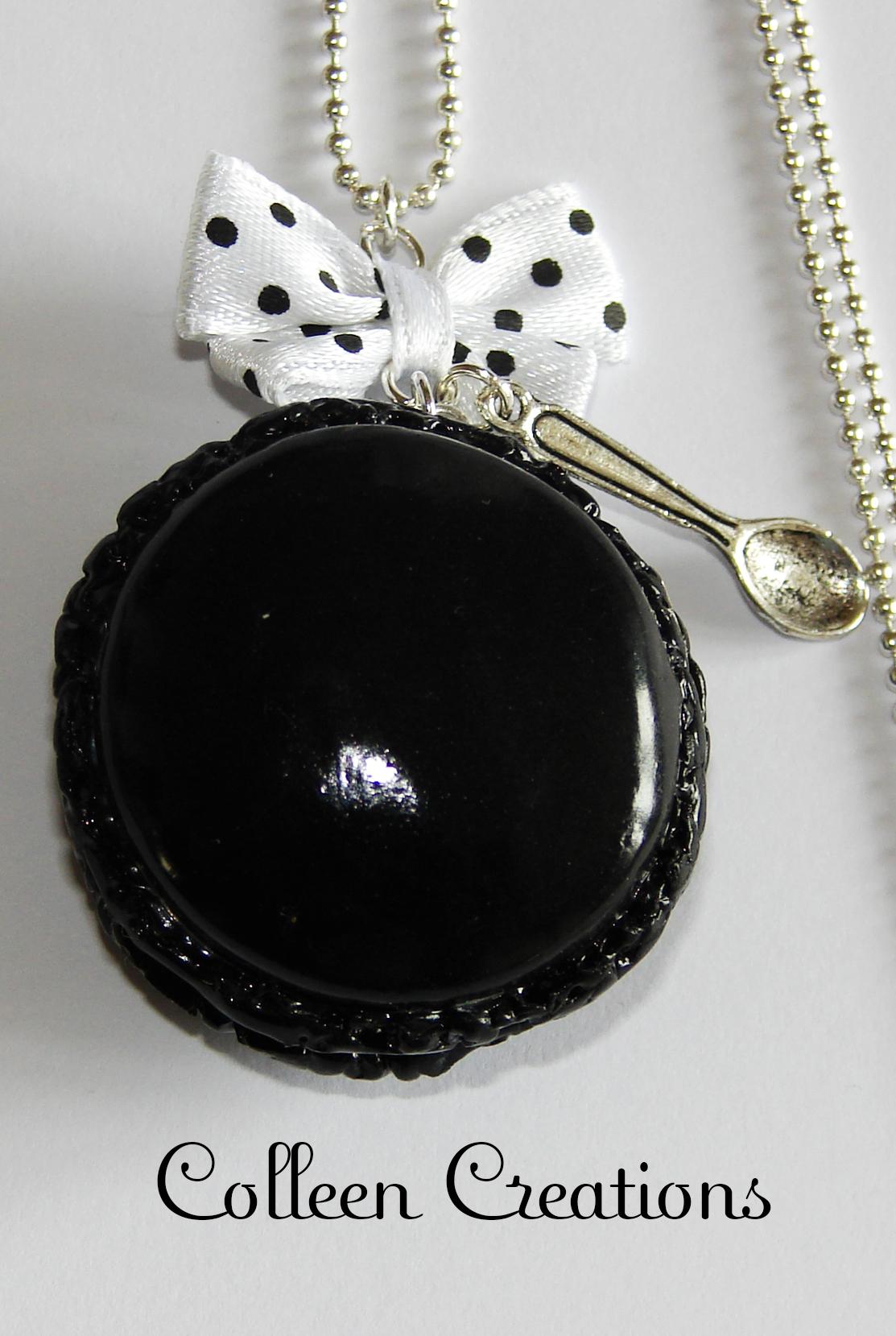 collier-macaron-noir